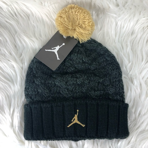 ae7aca57866 NWT Nike Air Jordan PomPom Winter Snow Beanie